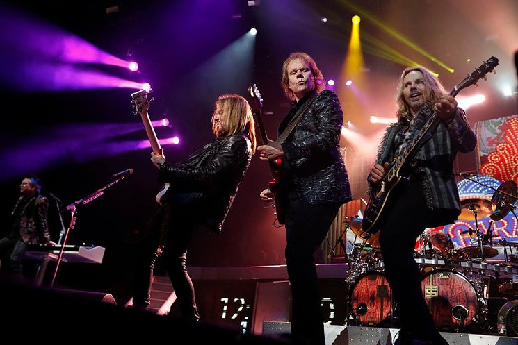 Tesla, Styx and Def Leppard light up BB&T center