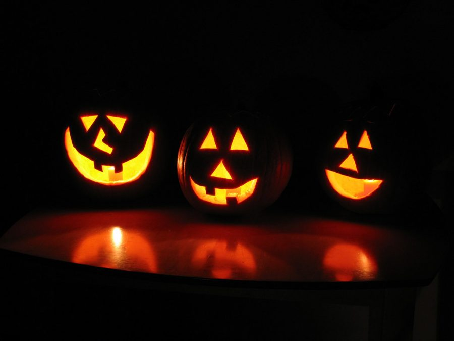 Pumpkin+carving+is+a+fun+and+safe+activity+to+do+on+this+socially+distanced+Halloween.